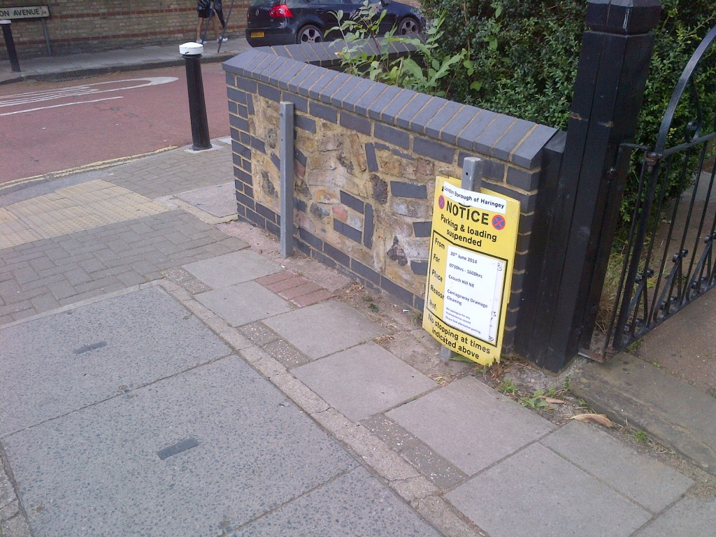 Missing road name sign, corner of Tregaron Avenue and Crouch Hill