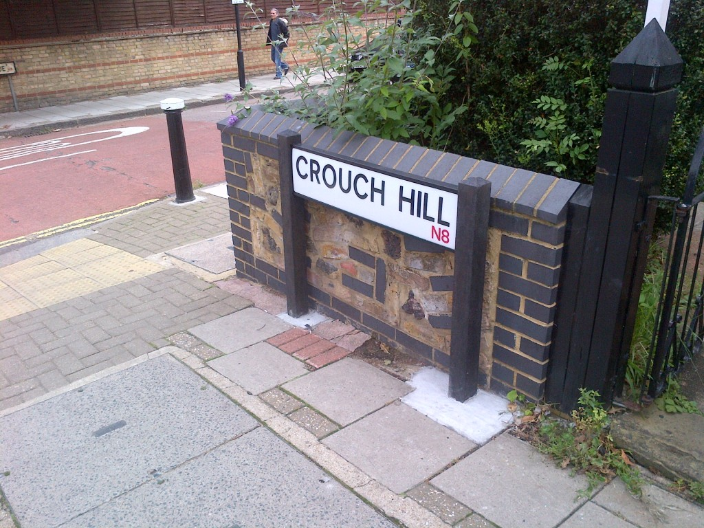New road sign, Crouch Hill
